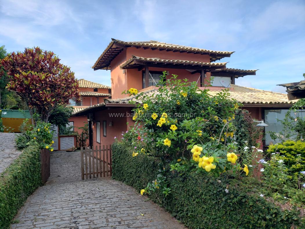 Casa em Condomínio Ossos